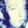 Madonna crede di essere di Paola Barale su Facebook (foto)